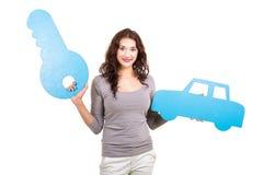 ключ автомобиля женщины Стоковые Изображения