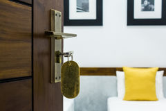 Ключ в keyhole Стоковые Фотографии RF