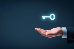 Ключ к успеху или решению стоковая фотография