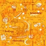 Лаборатория химии винтажной безшовной картины старая с микроскопом, трубками и формулами на постаретой бумажной предпосылке бесплатная иллюстрация