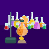 Лабораторное оборудование исследования образования химии, стеклянная лампа научной лаборатории, вектор Стоковые Изображения RF