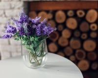 Лаванда в вазе стоковые изображения