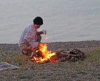 Лагерный костер на пляже Стоковое Изображение RF