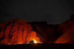 Лагерный костер пустыни Стоковые Фотографии RF