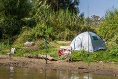 Лагерь праздника и рыболовные удочки, река Иордан, Израиль стоковые изображения rf