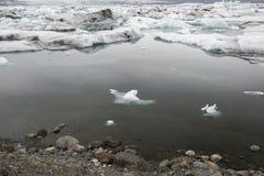 Лагуна ледника Jokulsarlon, Исландия Стоковое Изображение