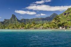 Лагуна острова Moorea - Французская Полинезия стоковая фотография rf