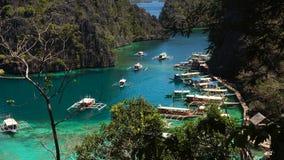Лагуна Beautyful в озере Kayangan, Филиппинах, Coron, Palawan видеоматериал
