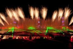Лазер и фейерверки показывают в Москве, России стоковое фото rf