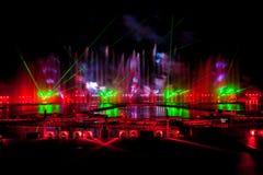 Лазер и фейерверки показывают в Москве, России стоковые фотографии rf