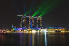Лазер Сингапура песков залива Марины и освещение показывают Стоковые Фото