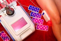Лазер Lipo Косметология оборудования женщина воды спы здоровья ноги внимательности тела Не хирургическое тело ваяя обработка тела стоковые фото