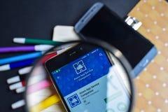 Лазурный товарищ App обслуживания в увеличивать на экране Smartphone стоковые изображения rf