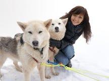Лайка молодой женщины и собаки сибирская Стоковое фото RF