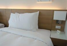 Лампа и подушка Стоковые Изображения RF