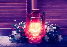 Лампа керосина в ноче рождества Стоковые Фотографии RF