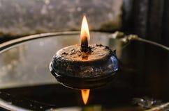 Лампа свечи горя с мягким светом зарева Стоковая Фотография RF