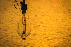 Лампа для рыбацкой лодки на заходе солнца Стоковая Фотография RF