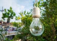 Лампа для украшения в саде с предпосылкой Bokeh, s стоковое фото