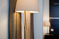 Лампы в гостиничном номере Стоковые Фотографии RF