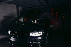 Лампы для сушить керамическое покрытие за автомобилем Стоковое Изображение
