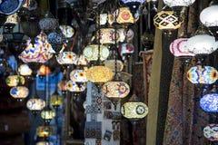 Лампы ремесленника вися от арабского souk Гранады стоковые изображения rf