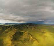 Ландшафты монгольской горы естественные близко стоковая фотография