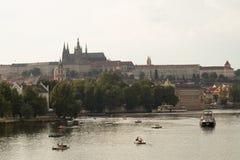 Ландшафты реки Vlatva в Праге стоковое изображение