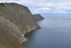 Ландшафт высоких утесов над Lake Baikal Стоковая Фотография
