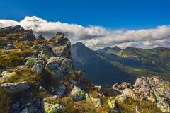 Ландшафт в европейских горах, высокое Tatras, Словакия, Центральная Европа, мир красоты, предпосылка ландшафта обоев стоковое изображение rf
