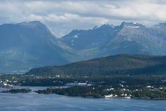 Ландшафт в Норвегии, взгляд лета от горы Aksla в Стоковое Изображение RF
