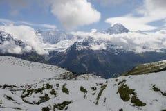 Ландшафт горных вершин гор Стоковые Изображения RF
