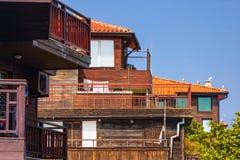 Ландшафт города - балконы старых деревянных домов Стоковое Изображение RF