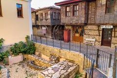 Ландшафт города - старые улицы и дома в балканском стиле, городок Sozopol Стоковое фото RF