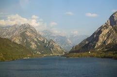 Ландшафт горы вдоль езды поезда от Сараева к Мостару стоковое фото