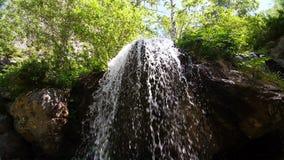 Ландшафт горы водопада акции видеоматериалы