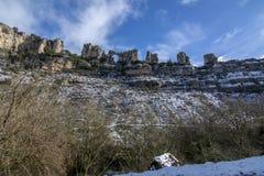 Ландшафт горы карстовый в Испании Orbaneja del Castillo стоковые фото