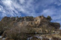Ландшафт горы карстовый в Испании Orbaneja del Castillo стоковые изображения rf