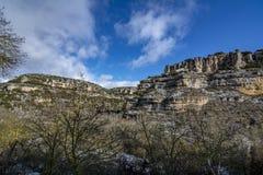 Ландшафт горы карстовый в Orbaneja del Castillo, Испании стоковое фото