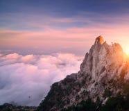 Ландшафт горы на заходе солнца Изумительный взгляд от горного пика Стоковые Фото