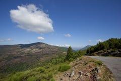 Ландшафт горы с дорогой асфальта Стоковая Фотография RF
