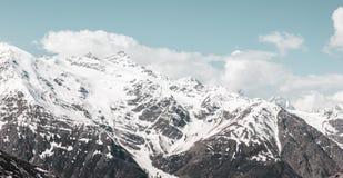 Ландшафт гор Кавказа стоковое изображение rf