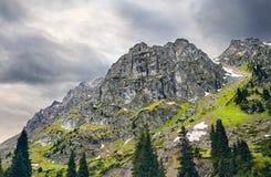 Ландшафт гор overcast Стоковые Фотографии RF