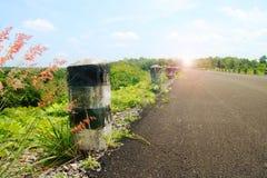 Ландшафт дороги асфальта в красивой природе в Таиланде Стоковые Фото