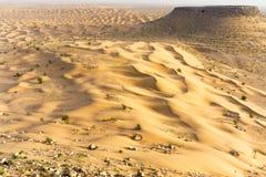 Ландшафт дюн в пустыне Сахары в Тунисе стоковые изображения rf