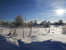 Ландшафт зимы в русских удаленных местах далеко от заселенных областей стоковое фото rf