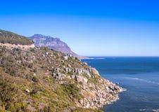 Ландшафт Кейптауна с редко взглядом горы таблицы без облаков в Южной Африке стоковые изображения
