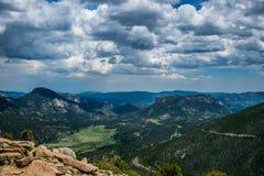 Ландшафт лета в скалистых горах Национальный парк скалистой горы, Колорадо, Соединенные Штаты Стоковые Изображения RF