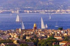 Ландшафт лета городского пейзажа St Tropez стоковое изображение