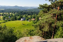 Ландшафт лета с лесами и небом Стоковые Фотографии RF